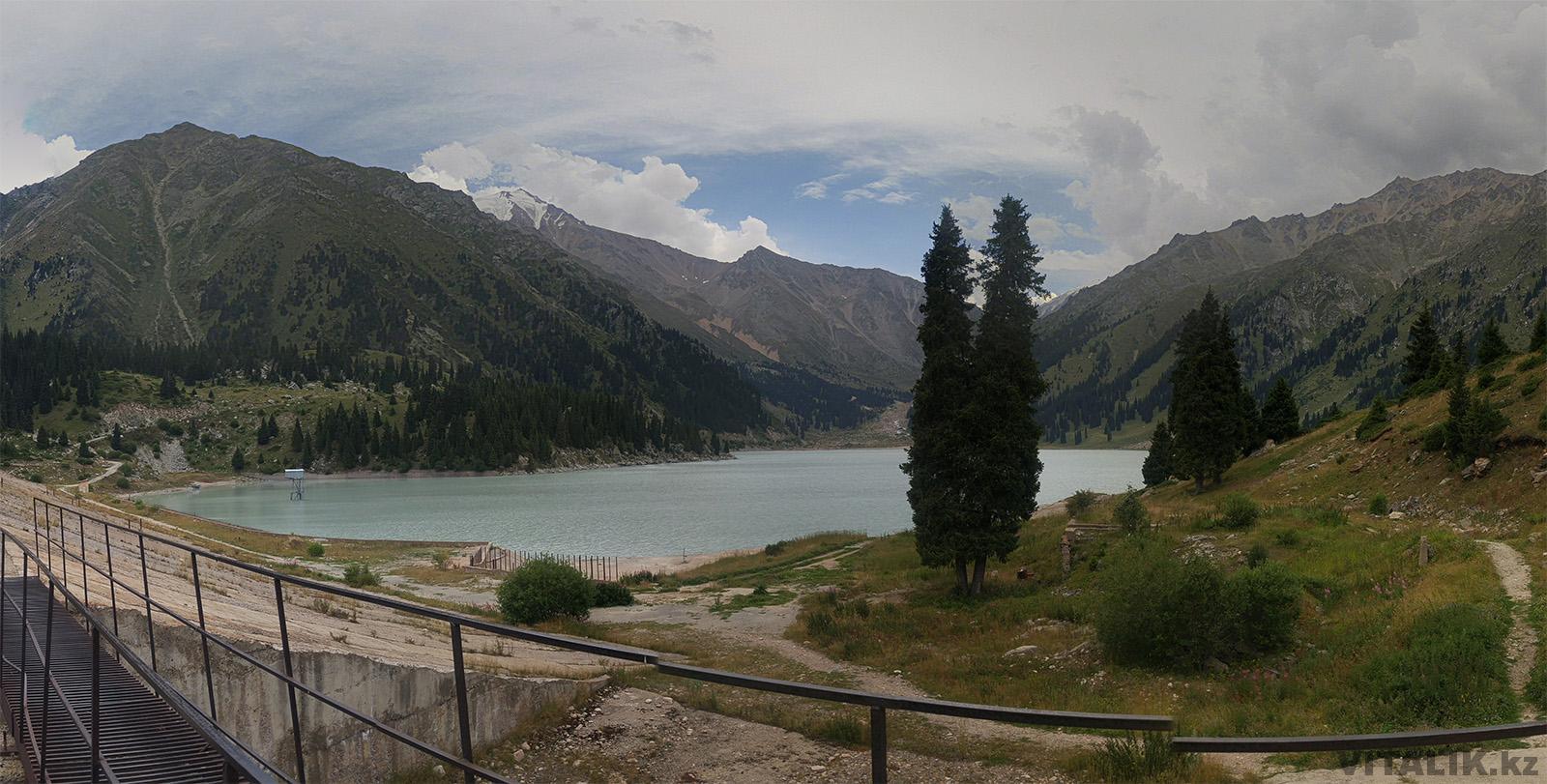 большое алматинское озеро панорама