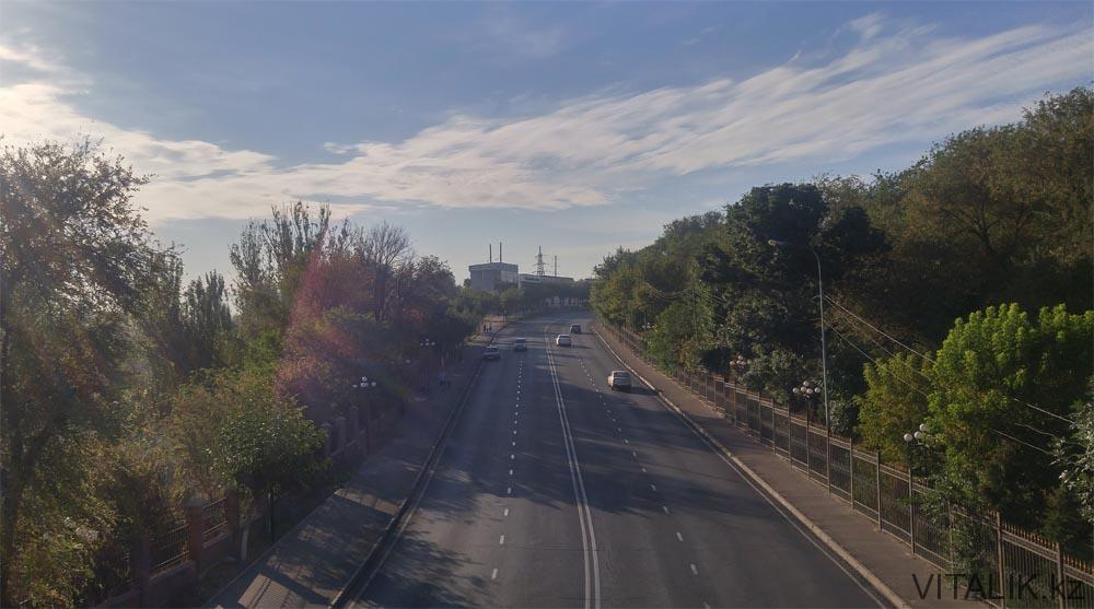 вид с моста парк независимости шымкент