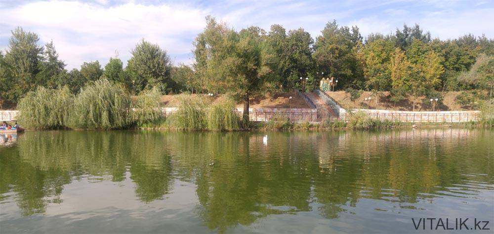 озеро дендропарк