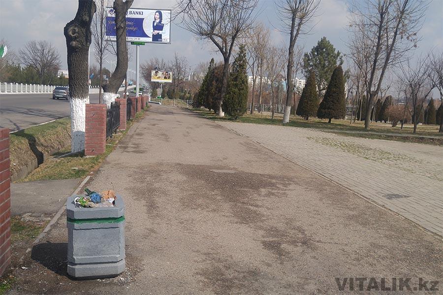 Бетонная урна в Ташкенте