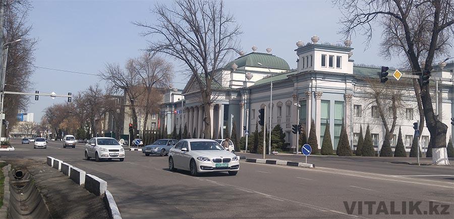 Дипломатические номера BMW Ташкент