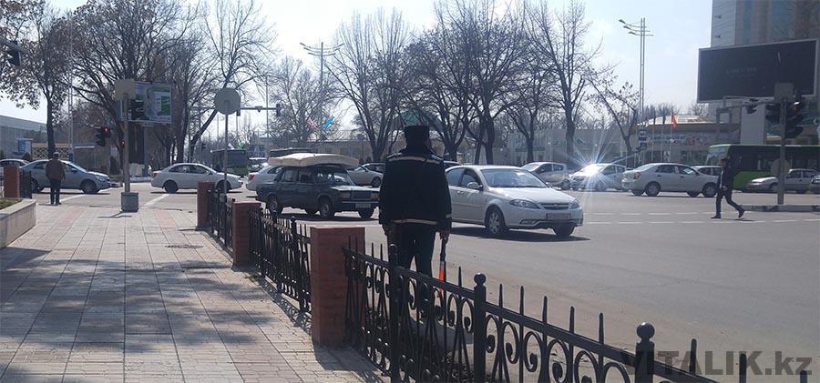 Полицейский в Ташкенте