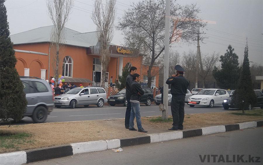 Полицейский в Худжанде