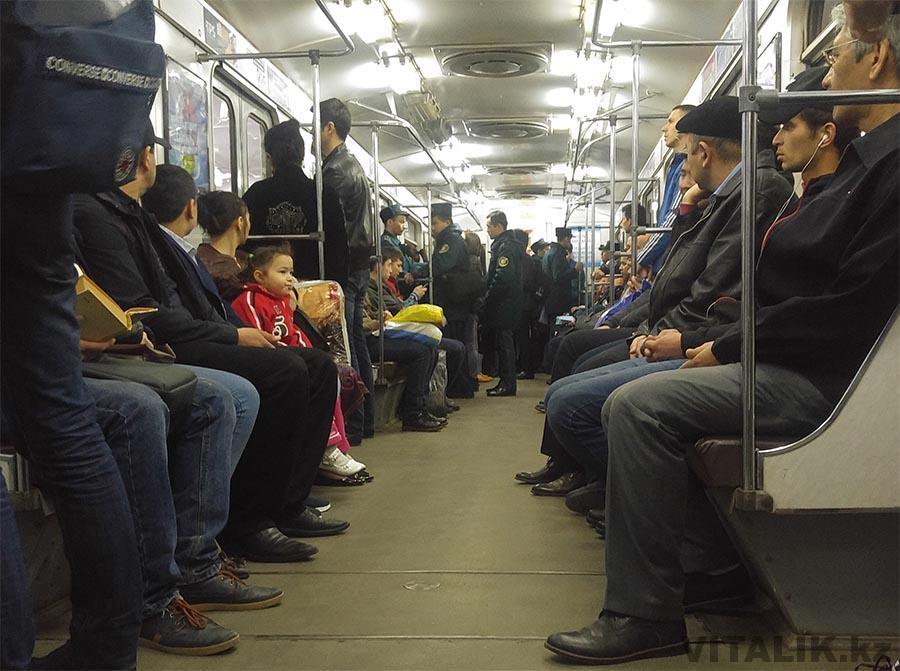 Полиция в метро Ташкент