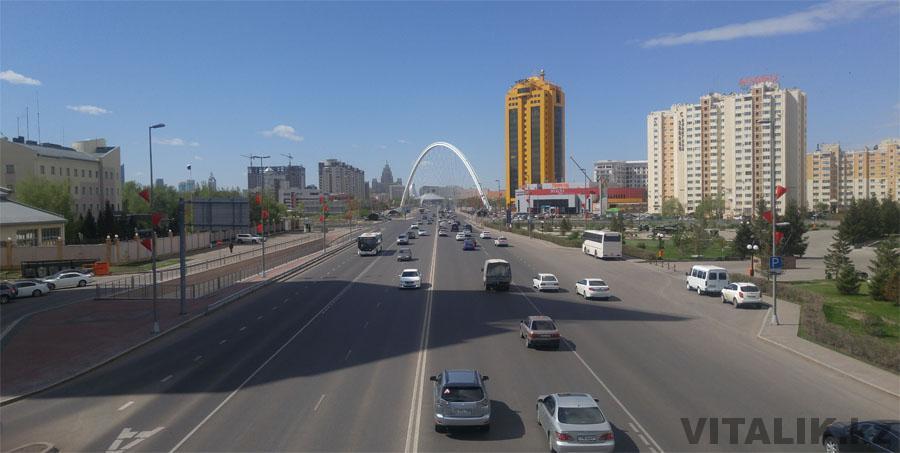 Мост на улице Александра Бараева