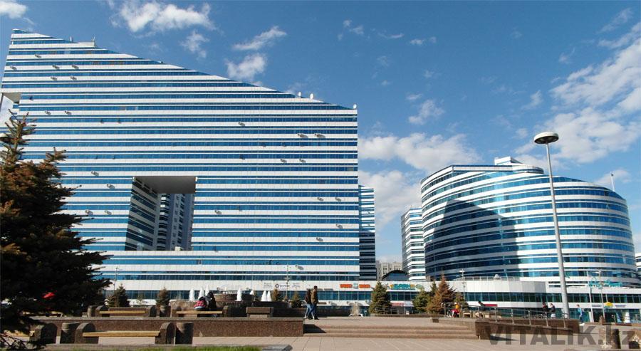 Сине белые здания Астана