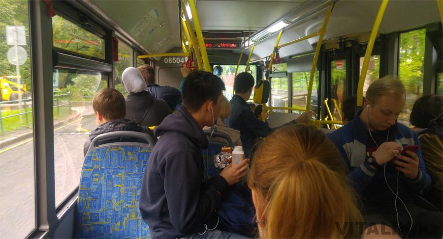 Московский автобус изнутри