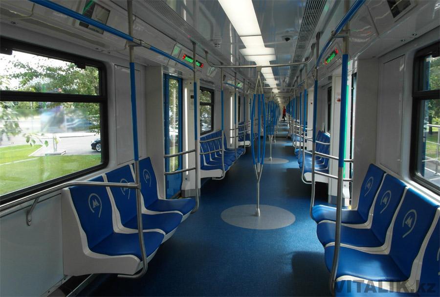 Новый вагон метро изнутри Москва