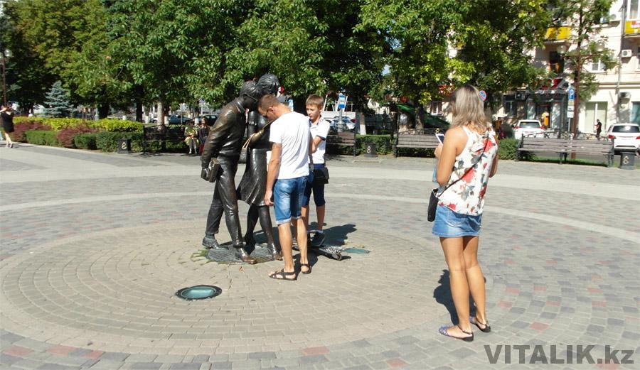 Памятник Шурику Краснодар