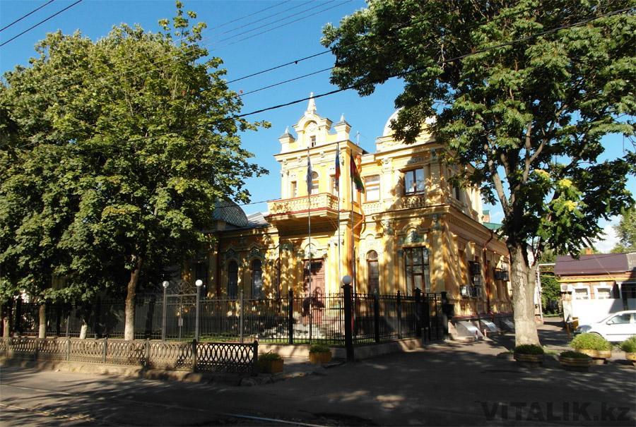 Старый дом на Коммунаров