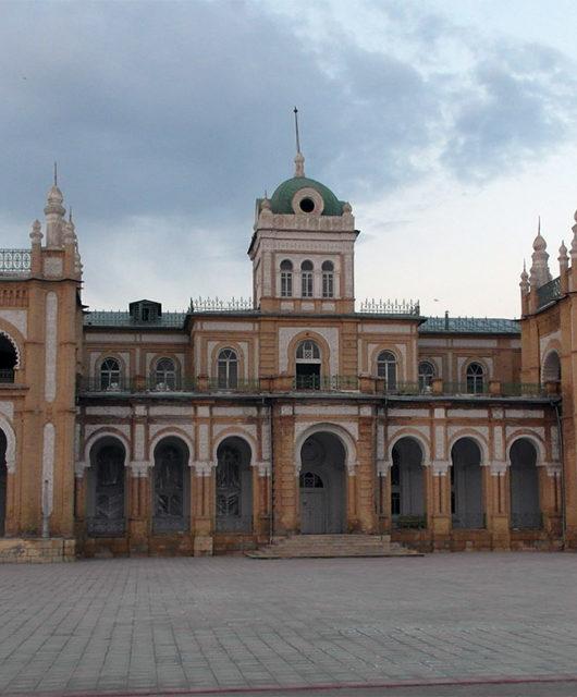 Дворец эмира Бухарского в Кагане